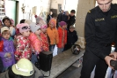 Bērni ciemojās pie ugunsdzēsējiem_10