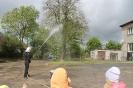 Bērni ciemojās pie ugunsdzēsējiem_33