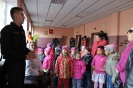 Bērni ciemojās pie ugunsdzēsējiem_50