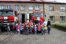 Bērni ciemojās pie ugunsdzēsējiem_62