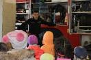 Bērni ciemojās pie ugunsdzēsējiem_8