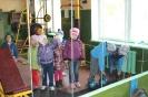 Bērnudārza bērni ciemojās pie ugunsdzēsējiem