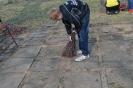 Liepu pamatskolas skolēni sakopa Brāļu kapus